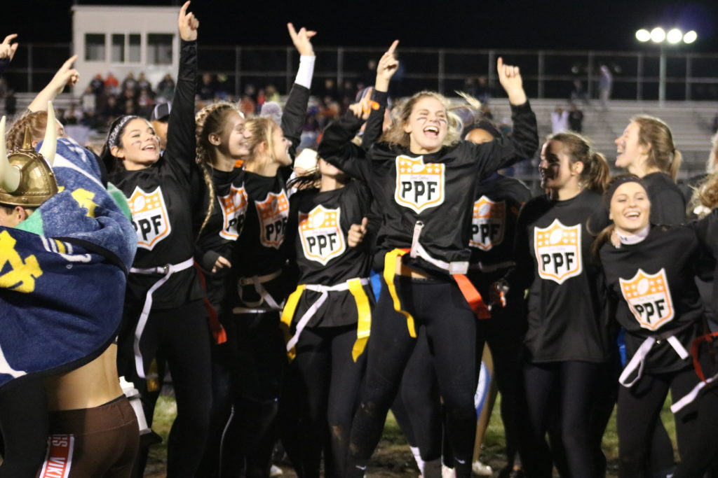Seniors Squeak Out Win in Powderpuff 2017